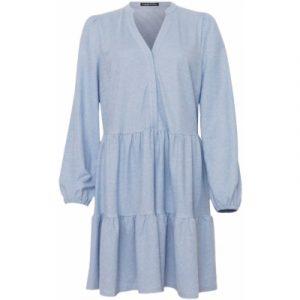 Kjole i lyseblå i sød A facon.